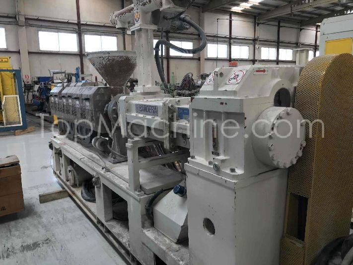 Used Bandera 2B 110 HTS 28D Extrusion PVC extruder